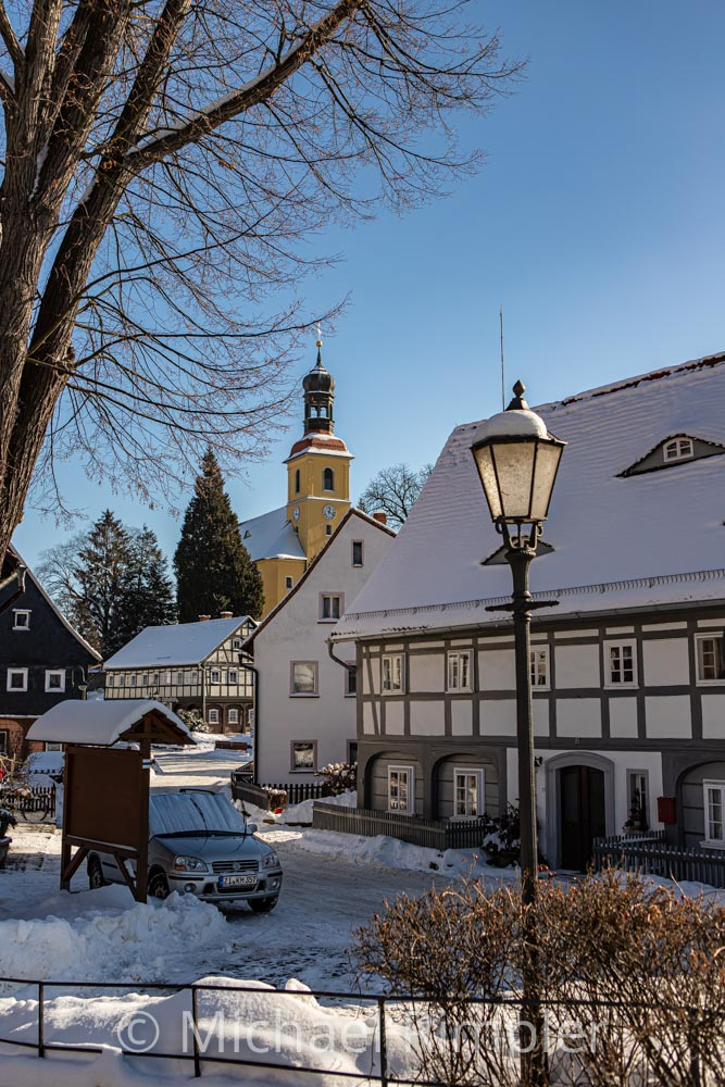 kirche, umgebindehäuser, winter, schnee, textildorf, großschönau, historischer ortskern, naturpark zittauergebirge, oberlausitz, fotos, bilder