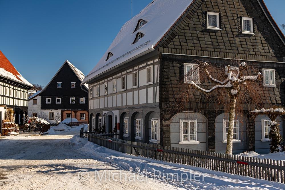 umgebindehäuser, winter, schnee, textildorf, großschönau, historischer ortskern, naturpark zittauergebirge, oberlausitz, fotos, bilder
